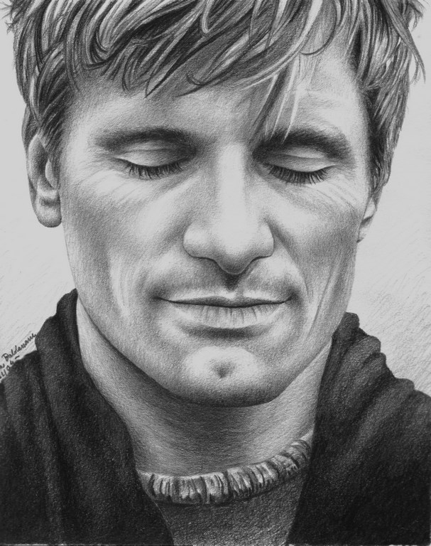 Viggo closed eyes Matita su carta 33x24cm.
